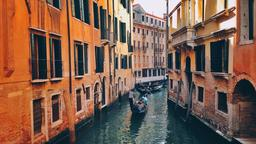 Venice hotels near Piazza Ferretto